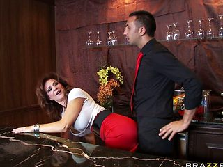 Deauxma Tight Azz Euro Milf V. Kerian Lee