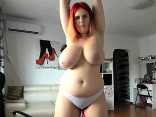 Amazing Huge Natural Tits Camslut Pussy Play