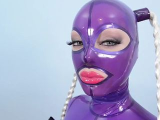 Gorgeous Latex Queen