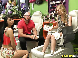 Blonde turns dude on before giving cock massage