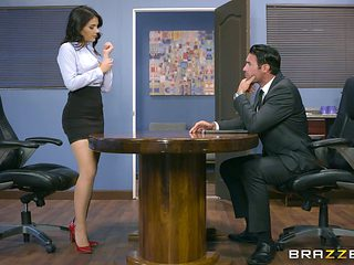 Having hardcore sex in the office is nothing new for Valentina Nappi