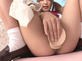 fragile asian schoolgirl likes big dildos