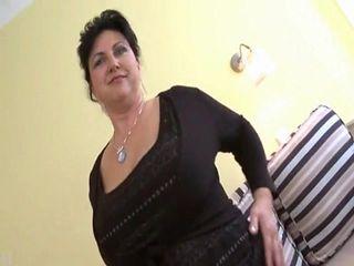 Nice Big Titts Lady R20