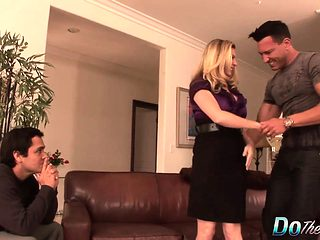 Blonde housewife takes it anally from porn stud