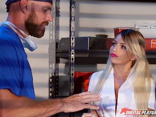 Doctor decides to give the hottest nurse a mind-blowing pounding