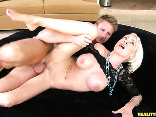 Tattooed Kinzie Fox shows her dick sucking skills to Levi Cash  - sexy video Pornalized.com