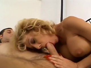 Mature Fuck Slut Sammie Has Great Boobs