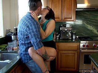 Alana Cruise Caught Fucking Zoe Parker's Husband