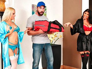 Romi Rain & Aspen Romanoff & Charles Dera in Big Tip For Pizza Sluts - RealityKings