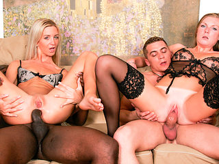 Ulrika & Cameron Gold in Couples Who Swing #03 - MileHighMedia