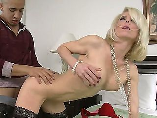 Hunk Bruno Dickemz enjoys fucking his firends hot mom Jodie Stacks and make her scream
