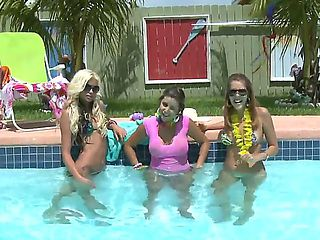 Hurray, today we have a cool pool party! Kelso DLove, Nikki Brooks and Rita Marie joined us, beca...