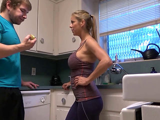 Alexis Fawx Hot Stepmom In Kitchen