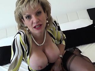 Unfaithful british milf lady sonia reveals her giant boobies