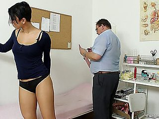 Diagnosis And Examination Pussy