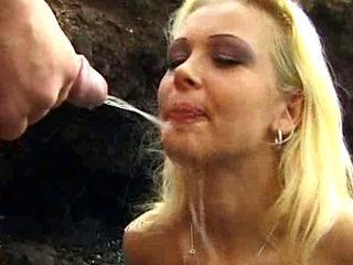Vivian Schmitt   Uromania 11