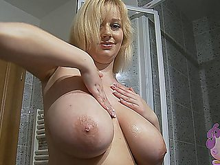 Sophie Mei - Perfect Sexy Shower Busty Cute