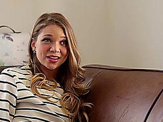 Sexy Teen Jessie Andrews Seduces Hot Milf Therapist Nicki Hunter