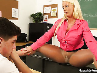 Asian Alura Jenson is wet as the ocean in this hardcore action with Bruce Venture