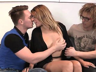 Penniless lover lets foxy buddy to screw his ex-girlfriend f