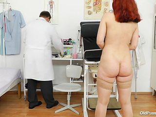 redhead pays visit to gynecologist