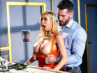 Alexis Fawx & Mike Mancini in The Big Stiff - Brazzers