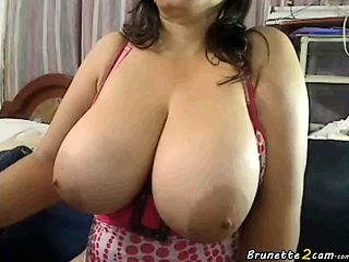 Colombian milf shows her big tits