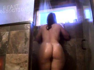 Huge ass bbw in shower on cam