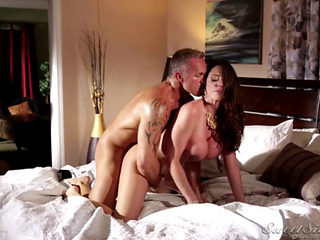 Hot Devorcee Ariella Ferrera Meets A Divorced Man