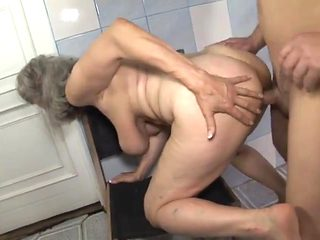 Granners romps her grandson in the bathroom