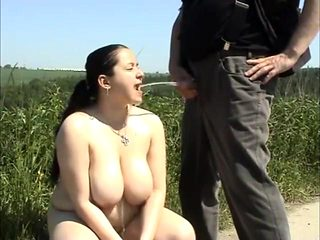 Piss in chubby girl mouth
