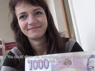 money helps minimize kristen's inhibitions