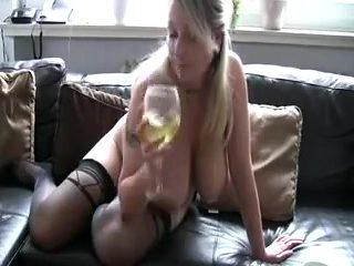 German girls drinking piss